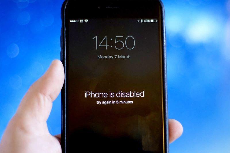 Laith S Tech حل مشكلة تم إيقاف Iphone بشكل نهائي